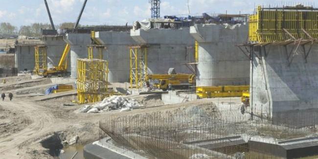 Чиновника, растратившего 100 млн. при строительстве гидроузла, будут судить вОмске
