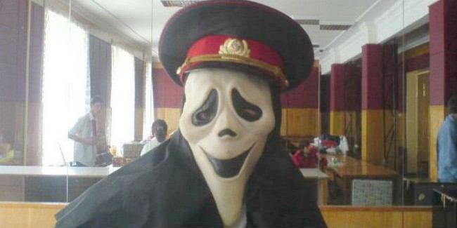 ВОмске пойдёт под суд экс-полицейский, хранивший усебя наркотики