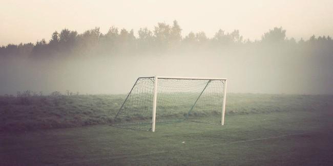 Спустя 2 года чиновники выплатят вред подростку, накоторого упали футбольные ворота