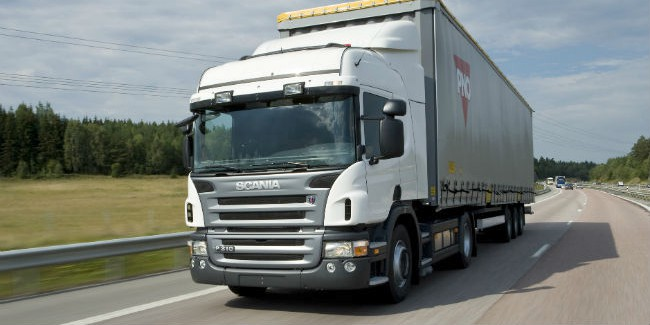 ВОмской области столкнулись «легковушка» и фургон