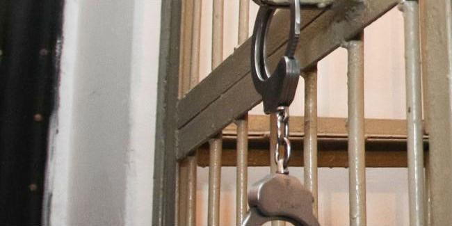 Подозреваемых вполучении взятки омских чиновниц отправили вСИЗО