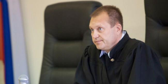 Омский судья Битехтин ушел вотставку
