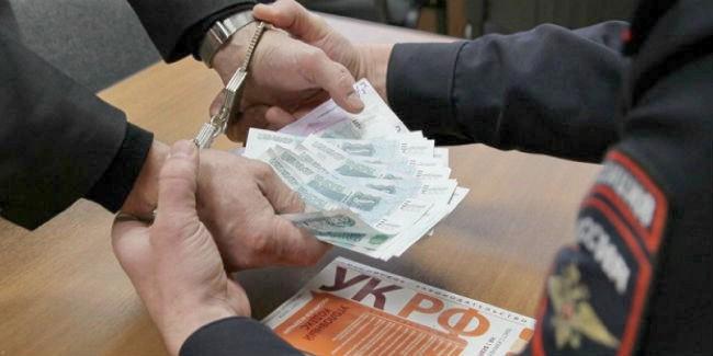 Гражданин Омской области хотел купить протокол уполицейского, однако суд взвинтил цену