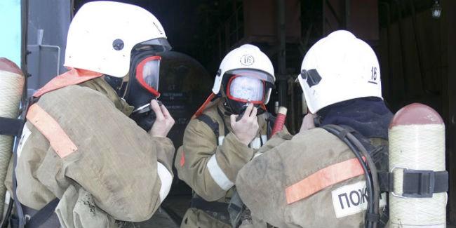 ВОмске трое детей едва непогибли из-за пожара вквартире