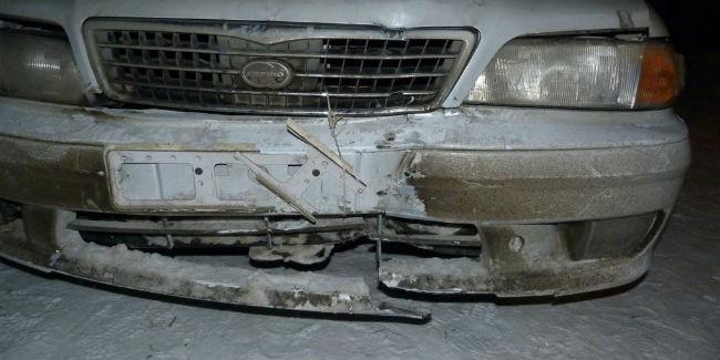Иностранная машина врезалась вКамАЗ: пострадали двое