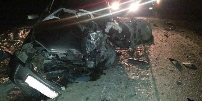ВОмской области шофёр легковушки умер вДТП сгрузовым автомобилем