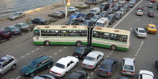 В столице иПетербурге каждый пятый автомобиль— отечественный