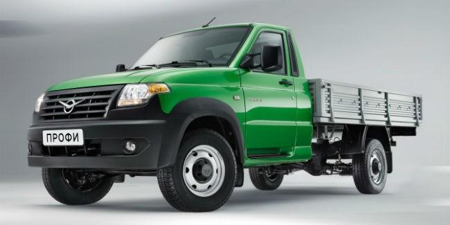 УАЗ продемонстрировал автомобили для транспортировки заключенных набазе фургона «Профи»