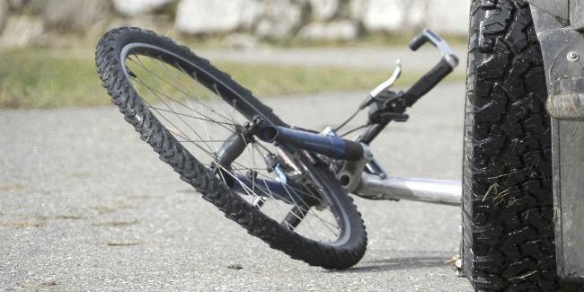 ВОмской области вынесен вердикт шоферу, насмерть сбившему велосипедиста наобочине