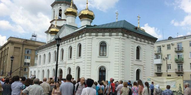 Восстановленный к300-летию Омска Воскресенский храм открывает двери для городских жителей