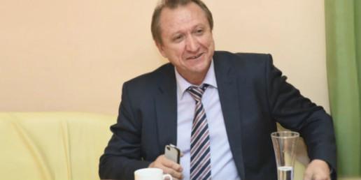 Министр возведения Омской области Бирюков тоже уходит вотставку