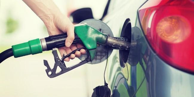Назаправках Омска вместо бензина реализуют суррогат