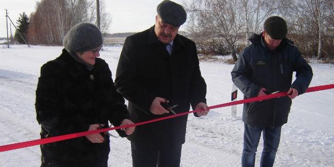 Кселу вОмской области проложили дорогу задва десятка млн. руб.
