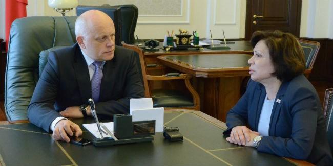 Роднина похвалила Назарова заразвитие детского спорта вОмской области