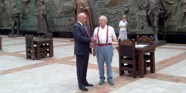 Церетели готов передать Омску на300-летие скульптуру Петра I