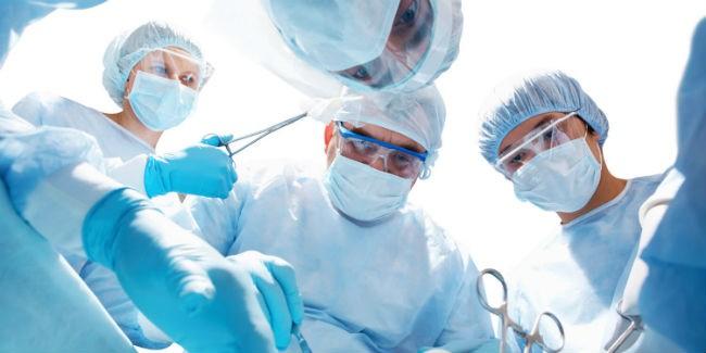 ВОмской области провели высокотехнологичную операцию поэндопротезированию