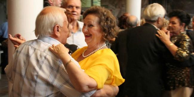 знакомства для пожилых людей омск