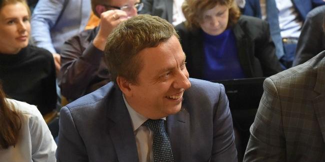 Владимир Корбут избран председателем Омского горсовета