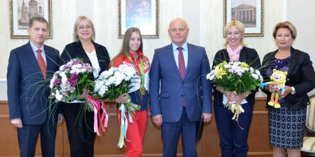 Олимпийская чемпионка Вера Бирюкова получила отНазарова три млн руб.