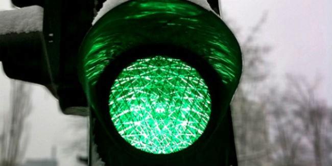 ВОмске отрегулируют работу светофора наперекрестке Крупской идублера Лукашевича