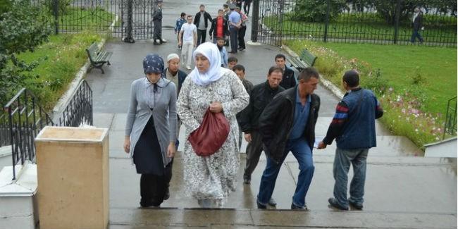 Миллионы мусульман отмечают один из основных праздников ислама— Ураза-байрам
