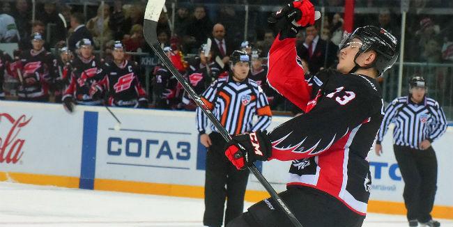 «Сибирь» потерпела 4-ое поражение подряд вКХЛ, уступив «Авангарду»