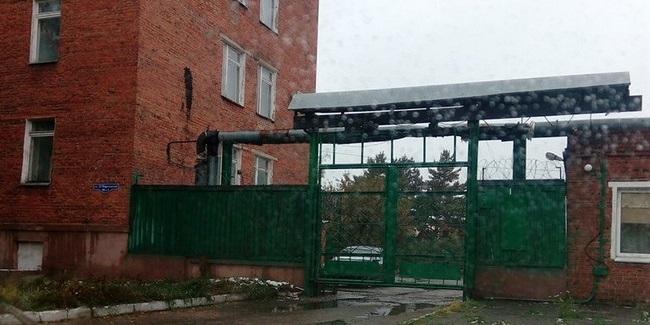 Не опять, а снова: подешевевший в 13 раз главный корпус Омской фармацевтической фабрики продали на торгах